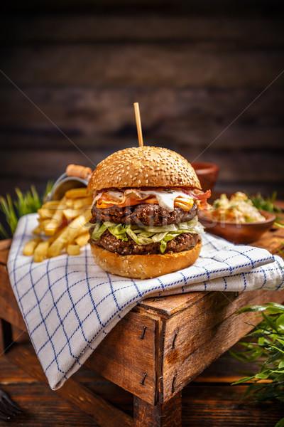 Stok fotoğraf: Taze · lezzetli · Burger · patates · kızartması · peynir · yemek