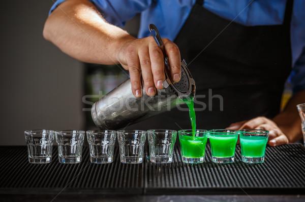Barmen ruh el restoran içecekler Stok fotoğraf © grafvision