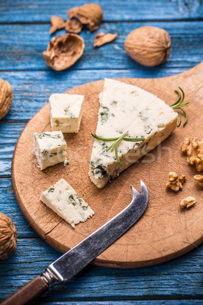 おいしい ブルーチーズ ナット 木製 まな板 チーズ ストックフォト © grafvision