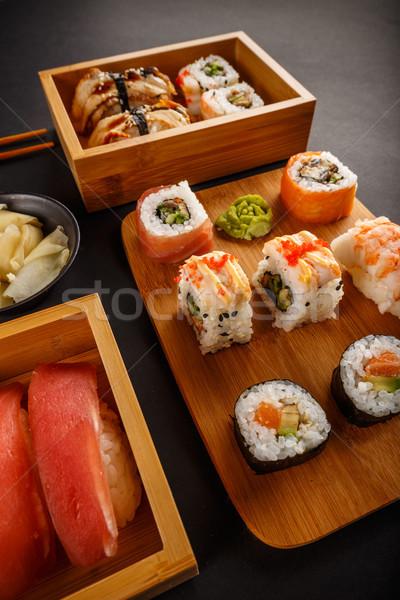 Photo stock: Mixte · sushis · rouler · sashimi · alimentaire · noir