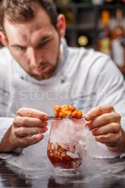Gurmé dohányzás gyümölcs leves szakács felszolgált Stock fotó © grafvision