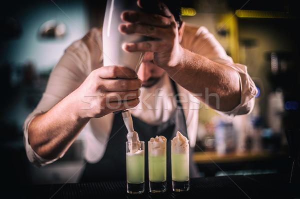 バーテンダー ホイップクリーム ガラス バー ドリンク ストックフォト © grafvision