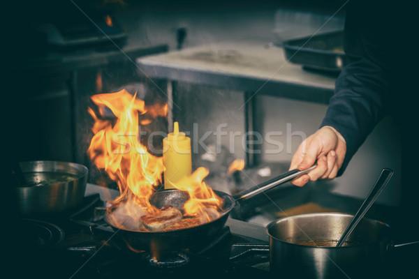 Stok fotoğraf: şef · domuz · eti · et · siyah · tava · gıda