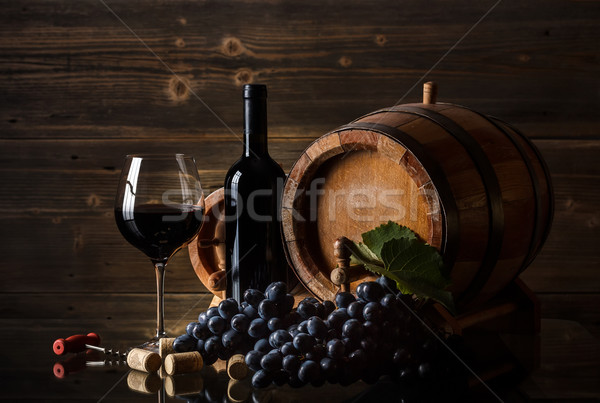 Still life vin rouge bouteille baril verre rouge Photo stock © grafvision