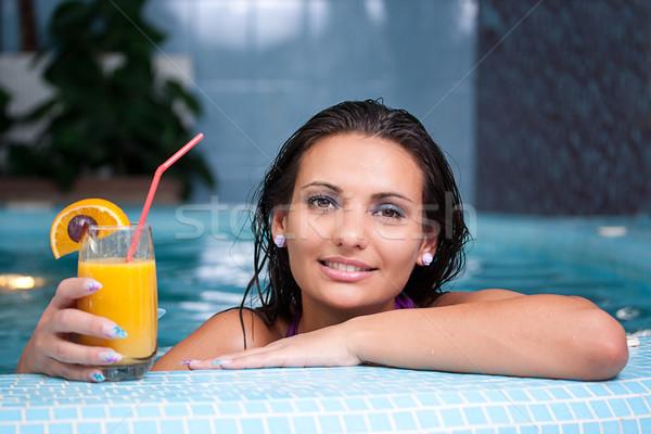 Młodych piękna kobieta jacuzzi witamina napojów Zdjęcia stock © grafvision