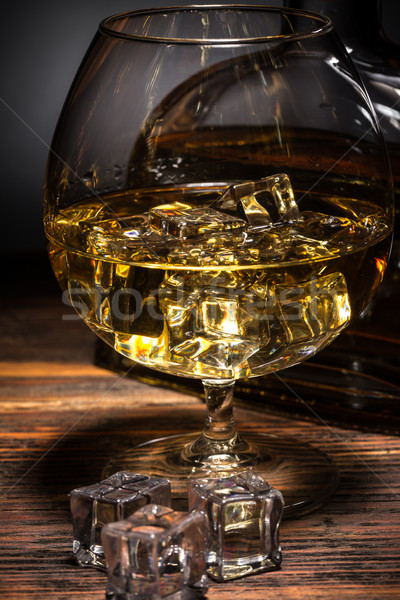 Cognac verre glaçon bois boire Photo stock © grafvision