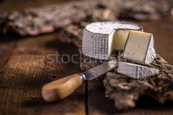 Queso camembert suave francés triángulo rebanadas Foto stock © grafvision
