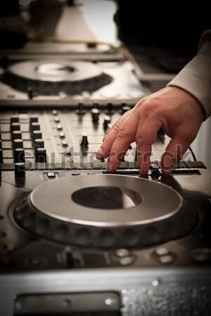 Jugar música mezclador mano noche club Foto stock © grafvision