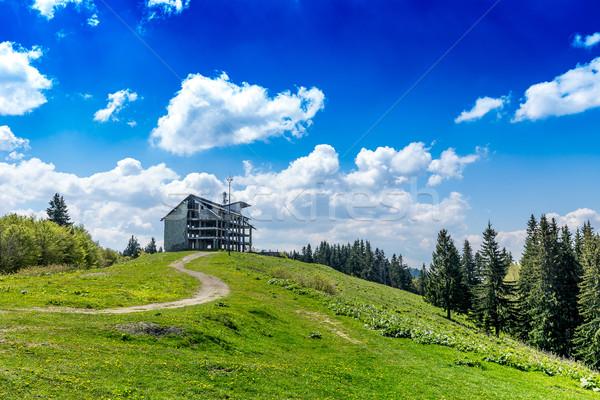 Befejezetlen épület domb építkezés fal ipar Stock fotó © grafvision