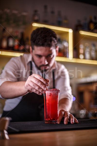 Csapos műanyag szalmaszál gránátalma koktél férfi Stock fotó © grafvision