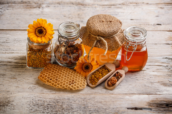 Miel polen propóleos alimentos oro cuchara Foto stock © grafvision