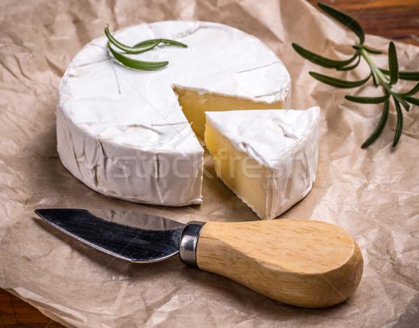 Camembert queso cuchillo romero fondo desayuno Foto stock © grafvision