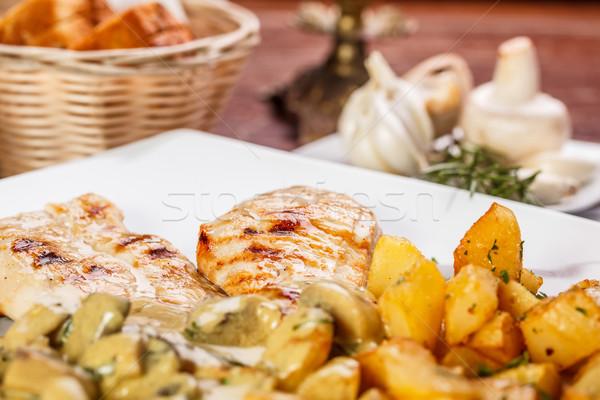 Pechuga de pollo papa champiñón salsa restaurante Foto stock © grafvision