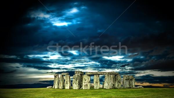 Stonehenge nuageux ciel Angleterre monde Voyage Photo stock © grafvision