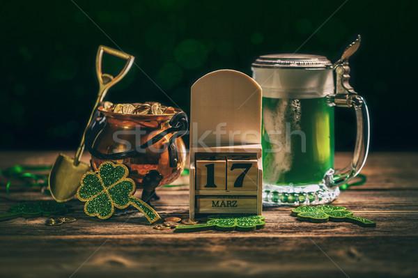 Festa di San Patrizio calendario 17 verde birra pot Foto d'archivio © grafvision