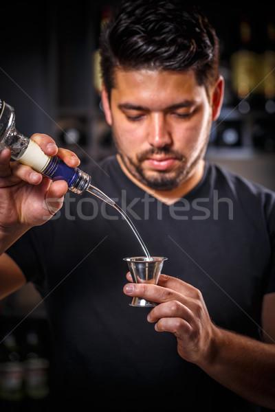 Barman werk professionele bar drinken Stockfoto © grafvision