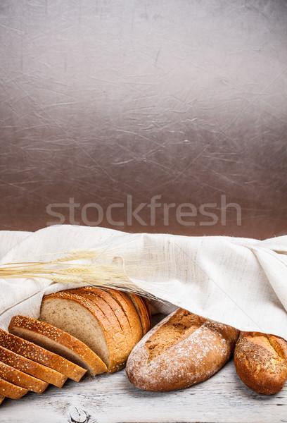 Friss teljes kiőrlésű kenyér rusztikus házi készítésű búza Stock fotó © grafvision