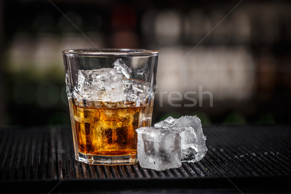 Whiskey ijs Ice Cube bar counter drinken Stockfoto © grafvision