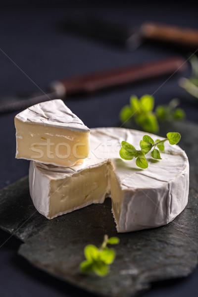 Camambert peynir siyah gıda tablo tahta Stok fotoğraf © grafvision