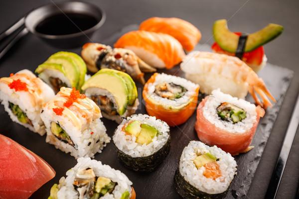 Japans favoriet voedsel sushi maki zalm Stockfoto © grafvision