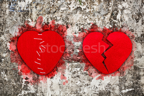 çift kırmızı kırık kalpler duvar Stok fotoğraf © grafvision