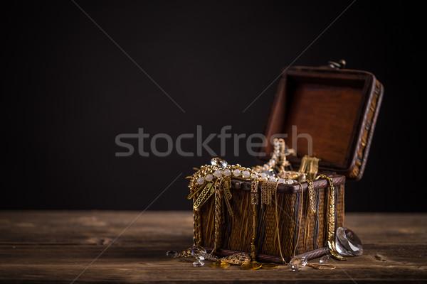 Pirata piccolo tavolo in legno oro vintage Foto d'archivio © grafvision