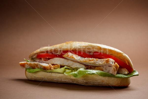 ızgara tavuk sandviç domates marul memeler Stok fotoğraf © grafvision