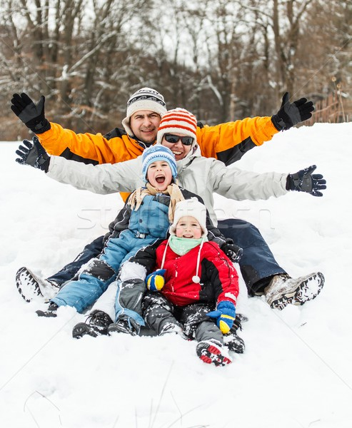 Famille heureuse neige enfants hiver amusement Photo stock © grafvision