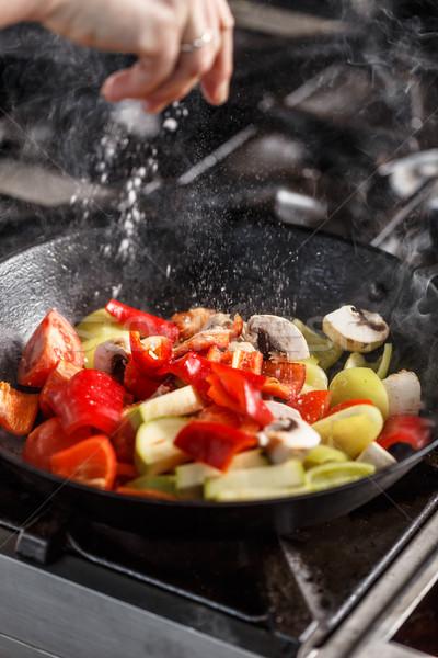 Chef vegetarisch eten restaurant keuken voedsel koken Stockfoto © grafvision