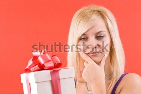 Zdjęcia stock: Zdziwiony · kobieta · działalności · patrząc · dar · kobiet