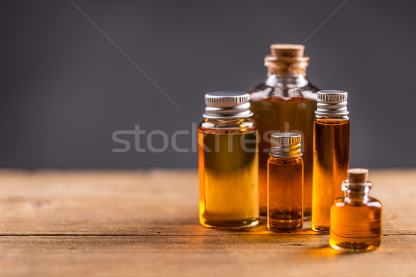 Foto stock: Essencial · Óleo · garrafas · saúde