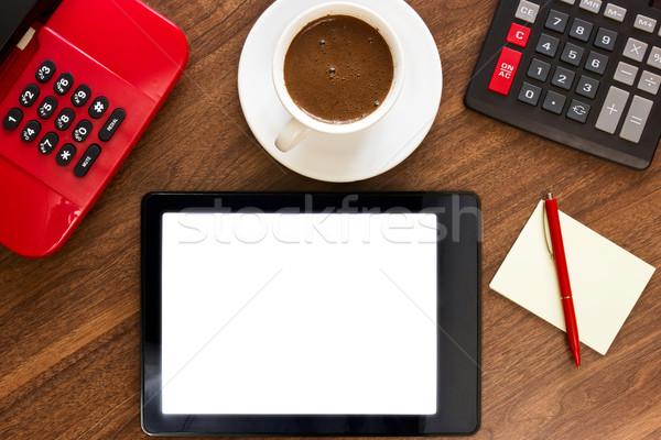 Mesa de escritório local de trabalho pc comprimido caneta copo Foto stock © Grazvydas