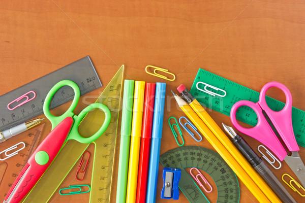 Przybory szkolne drewniany stół różny biuro szkoły edukacji Zdjęcia stock © Grazvydas