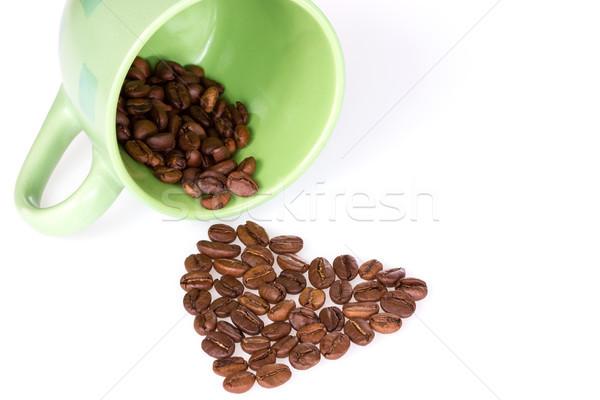 Cup chicchi di caffè cuore verde alimentare Foto d'archivio © Grazvydas
