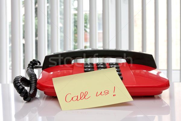 Rosso ufficio telefono carta promemoria chiamata Foto d'archivio © Grazvydas