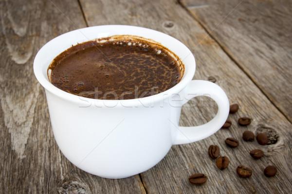 Zwarte koffie bonen beker oude hout Stockfoto © Grazvydas