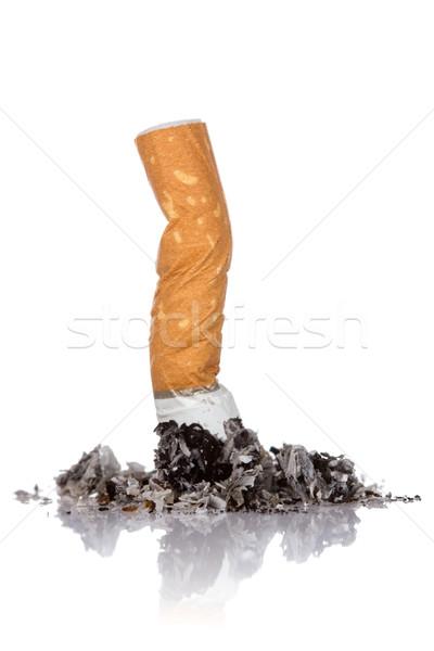 Cigaretta fenék hamu fehér füst veszély Stock fotó © Grazvydas