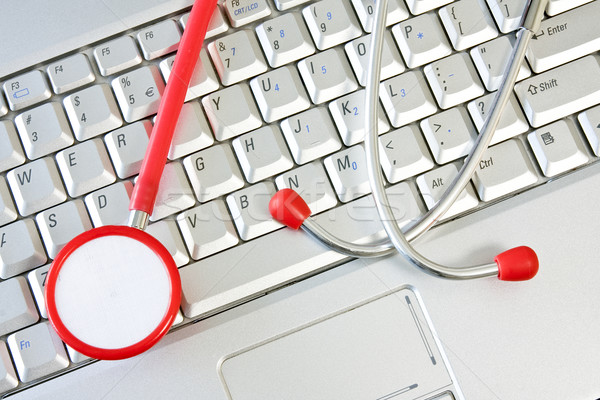 On-line medicina apoiar estetoscópio médico Foto stock © Grazvydas