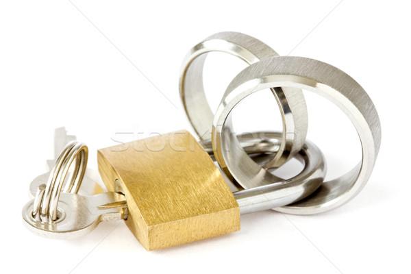 Samen voor altijd gouden hangslot trouwringen witte Stockfoto © Grazvydas