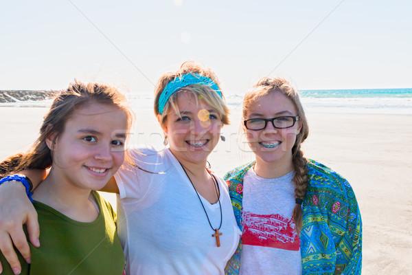 3  女の子 ビーチ 美しい 一緒に 空 ストックフォト © gregorydean