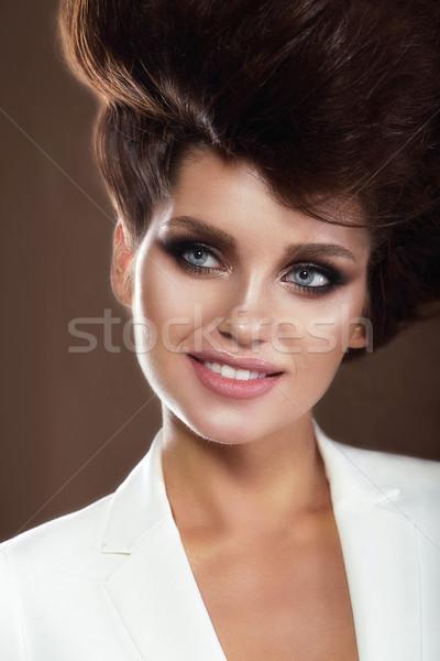 Portret wyrafinowany uśmiechnięta kobieta dziewczyna uśmiech moda Zdjęcia stock © gromovataya