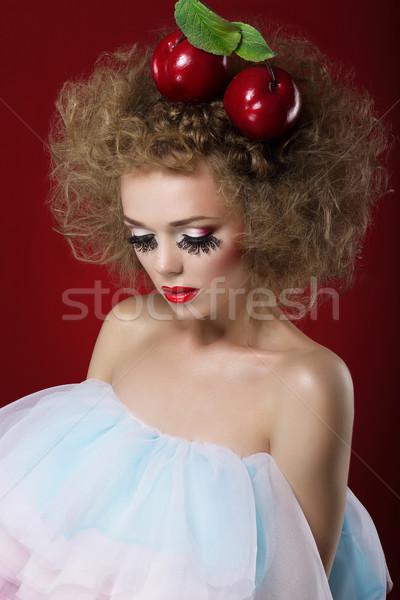 Artistik rüya gibi kadın kırmızı elma parti Stok fotoğraf © gromovataya