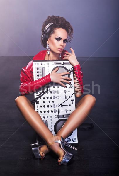 Entretenimiento mujer sesión mezclador música nina Foto stock © gromovataya