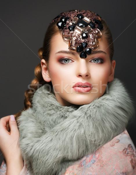 Elegancia stílusos európai nő gyémánt ékszerek Stock fotó © gromovataya