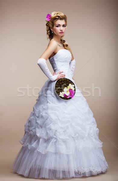 Esküvő friss házas fehér ruha tart különleges virágcsokor Stock fotó © gromovataya