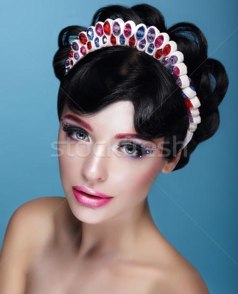 Mooie brunette kroon juwelen meisje Stockfoto © gromovataya
