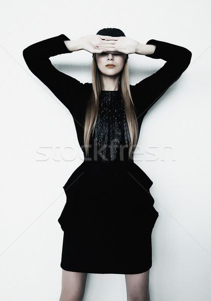 Moda model blond dziewczyna współczesny czarna sukienka Zdjęcia stock © gromovataya