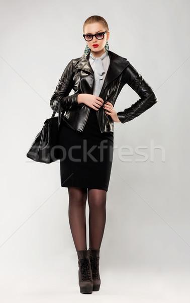 Modny modny kobieta okulary torebka studio Zdjęcia stock © gromovataya