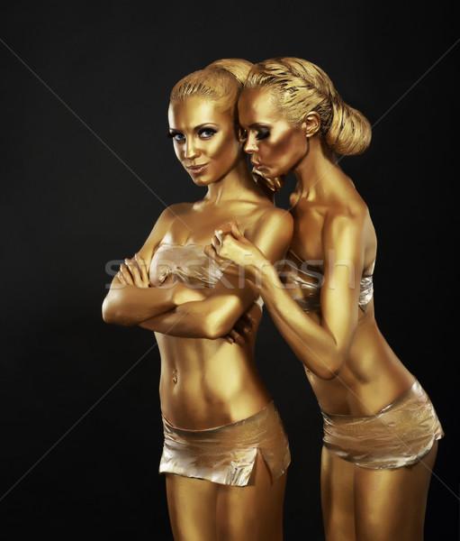 Vriendinnen gouden make omarmen art deco mode Stockfoto © gromovataya