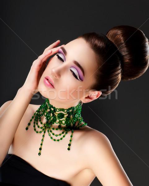Taze kadın yüzü kolye zümrüt lüks moda Stok fotoğraf © gromovataya